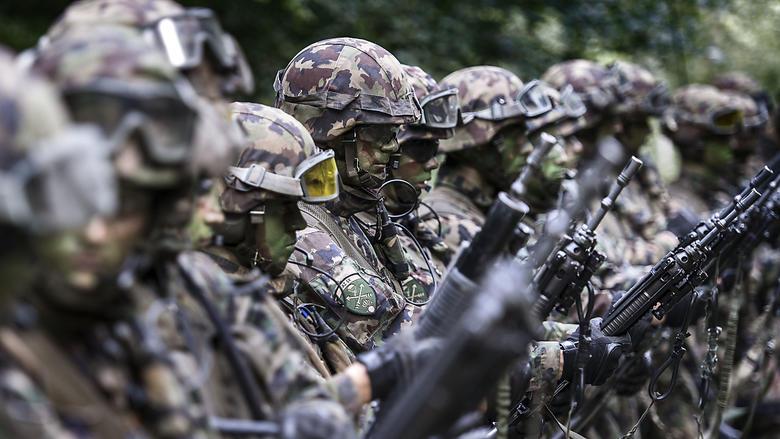 Gesellschaft Militär